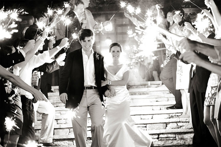 more-black-and-white-wedding-sparklers
