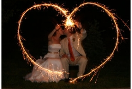 heart-shapped-sparkler