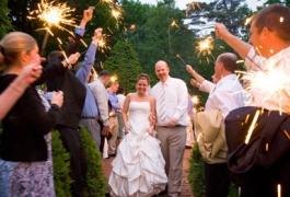 more-daytime-wedding-sparklers