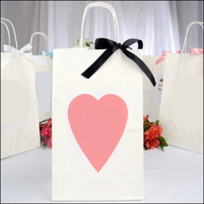 Welcome Bags for Destination Weddings | What to Include for Your Guests