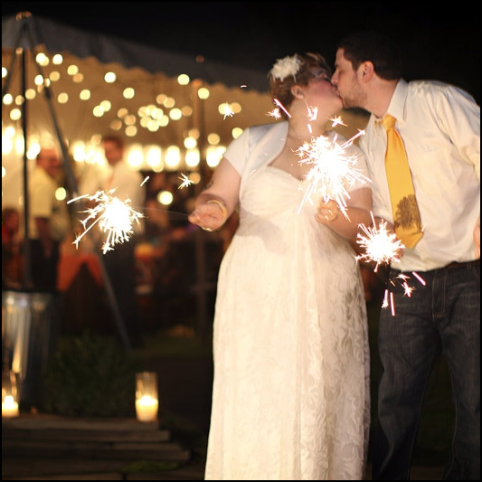 reasons you shouldnt use wedding sparklers image