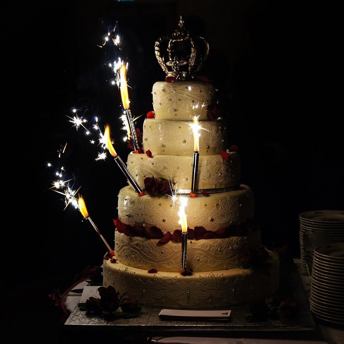 Wedding Sparkler Photos: Ideas For Photographing Sparklers