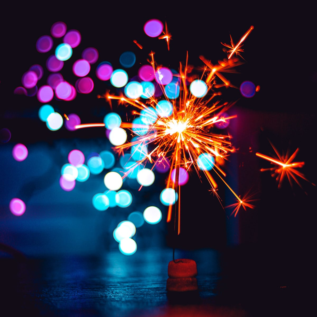 Image of a Simple Standalone Sparkler Centerpiece