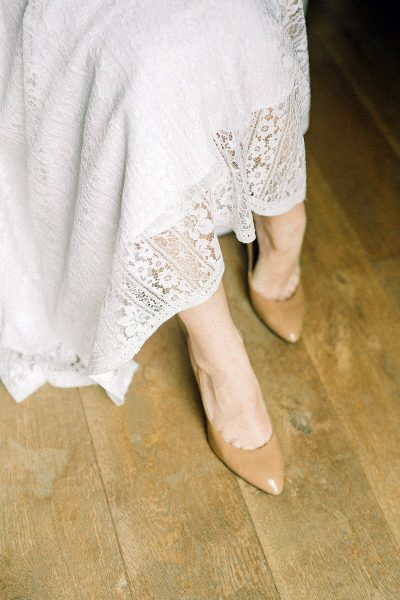 Image of the Mother of the Bride in High Heels